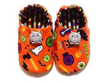 Halloween Baby Boy Shoes with Owls, 0-6 mos. Baby Booties, Baby Halloween Shoes, Baby Soft Shoes, Boy Crib Shoes, Halloween Baby Boy Gift