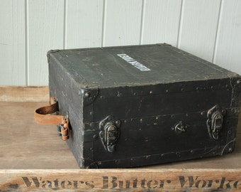 Vintage WW II Military Industrial Radio Signal Field Case    SALE - was 148.00
