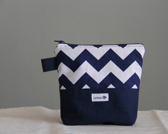 Reusable sandwich bag, reusable snack bag, ecofriendly, zero waste, zippered bag, cosmetic bag, ProCare lined – Navy and white chevron