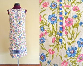 1960s Vintage McMullen Floral Sheath Dress size S bust 32