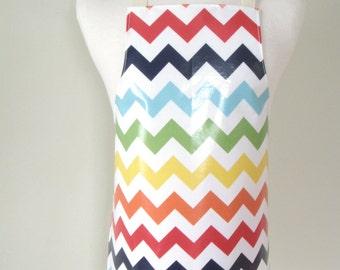 Kid apron AGE 4-8 / Laminated apron / Paint smock / Craft apron / Children apron - rainbow chevron stripes / Garden apron