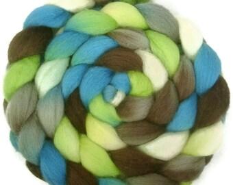 Handpainted BFL Wool Roving - 4 oz. METRO - Spinning Fiber