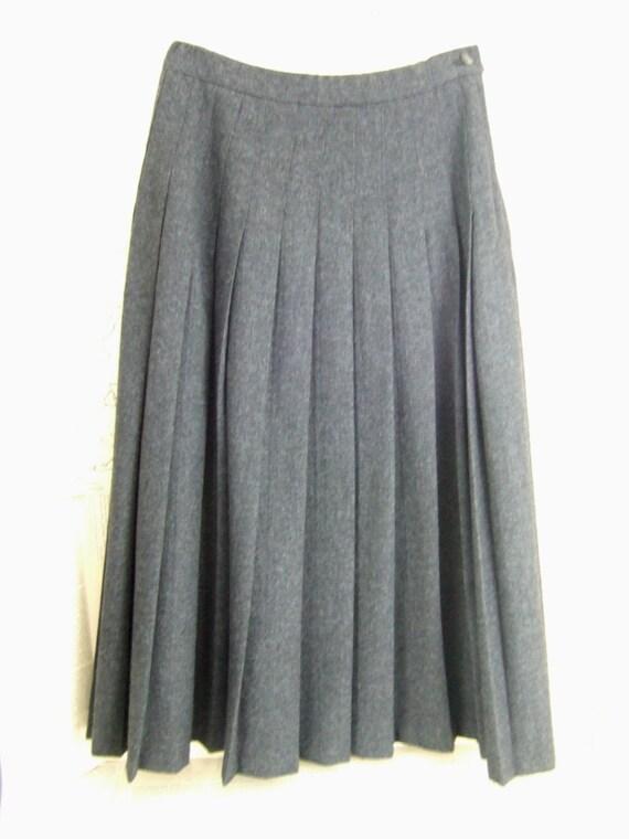 vintage gray wool pendleton pleated skirt by jennyelkins