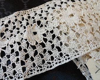 Antique Vintage Handmade Wide Bobbin Lace 7.5 yards