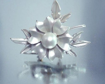 Flower Pin  White Satin Enamel Vintage Jewelry