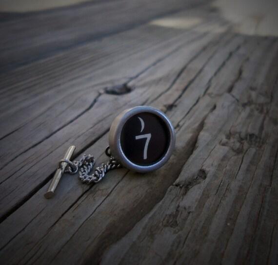 number 7 vintage typewriter key tie tack