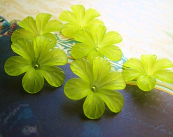 Clematis Flower Blossoms Mojito Lime 33mm Lucite (8flowers)b2206