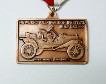 1990 vintage Newberg Old Fashion Festival bronze bar pin