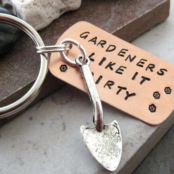 Gardeners Like It Dirty Keychain, silver plated shovel charm, gardener gift, gardening keychain, green thumb, optional initial disc
