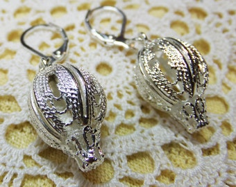 Air Ship Silvery Small Openwork Beads Small Delicate Steampunk Fantasy Hot Air Balloon Dangle Earrings