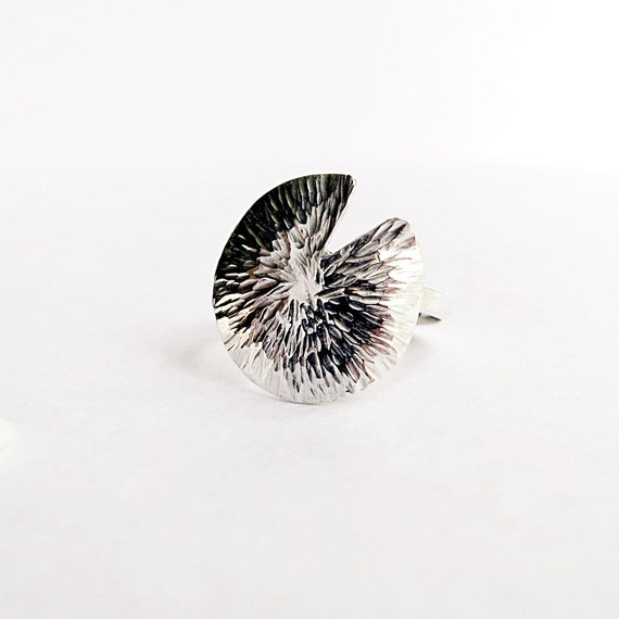 Lily Pad ring, Sterling Silver, hammered, Nature inspired jewelry