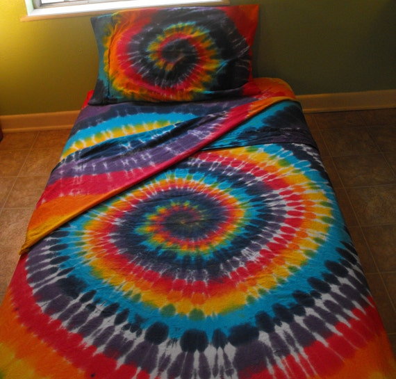 tie dye organic cotton full size sheet set in by inspiringcolor. Black Bedroom Furniture Sets. Home Design Ideas