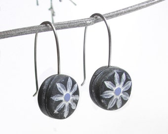 White Daisy Earrings, Rustic Country Flower, Sweet Blossom, Daisy Drop Earrings, Gift for a Gardener, Sterling Ear Wires
