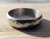 Sterling Silver Wedding Band, Rustic Mens or Womens hammered oxidized silver ring band,  Darkened Silver Ring Band, Gunmetal Look