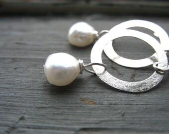Pearl earrings, Silver White Pearl Hoop Earrings, Handmade Pearl Earrings, White Pearl Jewelry, Dangle Drop Earrings