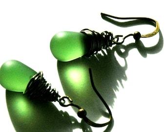 Green Sea Glass Earrings / Green Rustic Steampunk Earrings / Minimalist Green Earrings / Frosted Green Glass Earrings / Bronze Green Earring