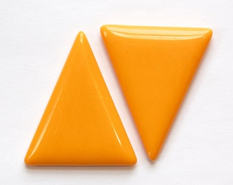 Vintage Tangerine Orange Triangle Acrylic No Hole Findings (2) cab828E