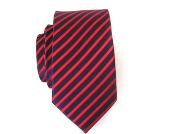 Mens Tie. Navy Blue and Red Stripes Skinny Necktie