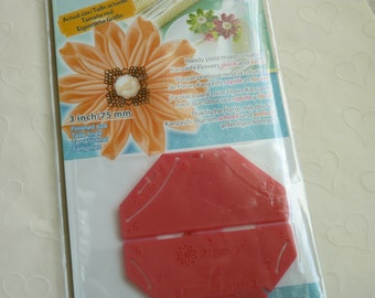 New Item -- 1 pack of CLOVER Kanzashi Flower Maker - Daisy Petal Large (3 inches)