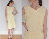 ON HOLD Vintage 50s Pale Yellow Sleeveless Day Dress with Diagonally Striped Lace Details | Small