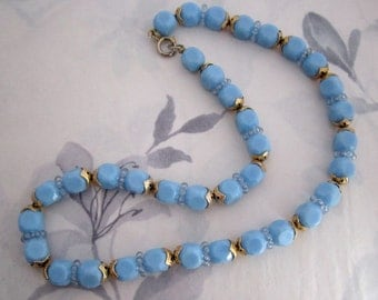 vintage blue plastic bead necklace - j5097