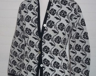 Rose Patterned Black and White Cardigan Sweater Soft Acrylic Buttoned Front Small 60s B36