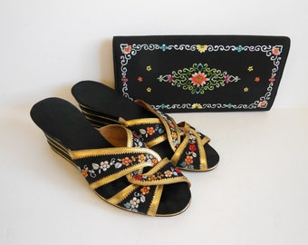 50s shoes / Vintage 1950's Embroidered Chinese Wedge Heels and Matching Purse
