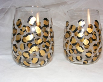 painted stemless wine glasses in gold leopard