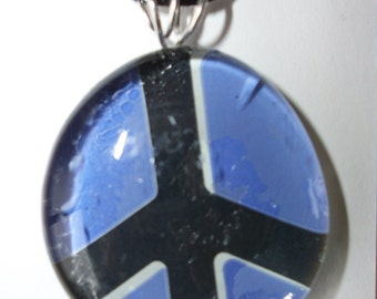 Recycled can peace pendant