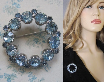 Vintage 50s Light Blue Sparkling Rhinestone Silver Circle Pin