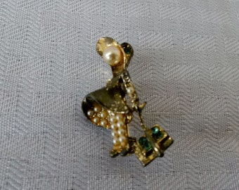 Clearance 1940's Vintage Brooch Little Girl With Bonnet