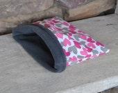 Cozy Sak Xsmall Pet Bed - Pink Grey Hearts