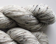 Superwash BFL with dark tweed  neps wool sock yarn, gorgeous texture, perfect for shawls - 4 ounces, 440 yards