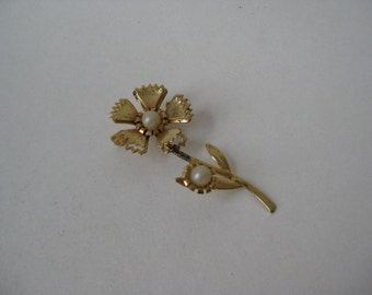 Shabby Flower Gold Pearl Brooch Vintage Pin