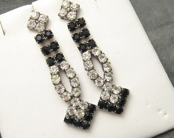 Vintage Long Rhinestone Earrings Black E5468