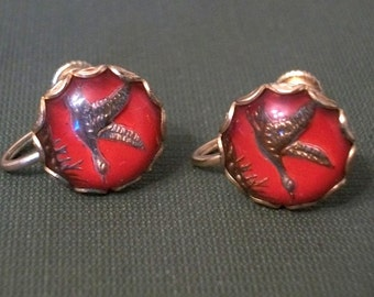 Vintage Red Duck Intaglio Earrings Screw On Reverse Carved Glass