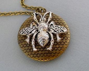 Honeybee Locket Necklace, Large Bee Locket, Long Chain Locket Necklace, Photo Locket, Round Photo Locket, Bumblebee Necklace, Honey bee
