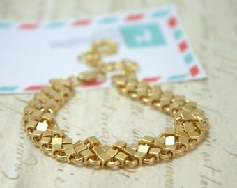 Gold jewelry/ Valentines day gift for her/ bracelet for women/ charm bracelet/  Gift for her/ Christmas gift
