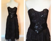 Vintage Strapless Black Velvet Sequined Gown. Maxi. Formal. Lace. Size Small. Bow. Evening. Scott McClintock. Wedding. Prom. 1980s.