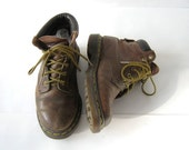 Vintage brown DOC MARTENS ankle boots // womens