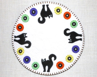 Halloween Penny Rug with Black Cat Design - 14""