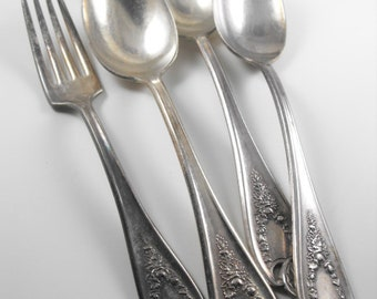 Vintage Silverware 1847 Rogers Old Colony Pattern 4 pieces