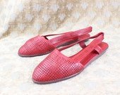 Vintage Sandals Bright Red Woven Leather Sling Back Flats Size 7 1/2 European 38