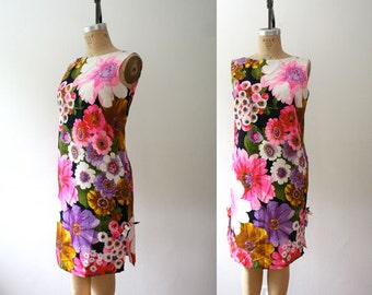 floral print dress / vintage 60s sundress / Kapiolani dress