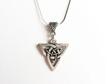 Celtic Trinity/Triquetra/Triad Knot Necklace - on Sterling Silver Chain with Celtic Bail