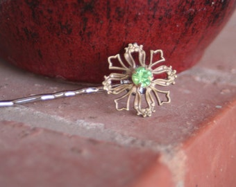 H86 Vintage Rhinestone Peridot Green Gold Filigree Bridal Hair Pin