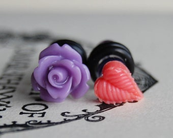 4g (5mm) Purple Flower and Leaf Plugs-for stretched ears