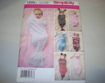 New Simplicity Babies' Costume Pattern, 1898 (Free US Shipping)