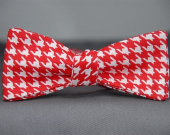 Red/White Houndstooth Pattern  Bow Tie