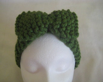 Chunky green Hand knit  headband with BOW one size